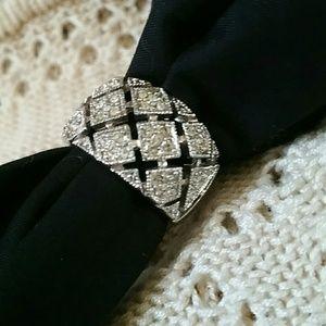 Jewelry - Silver Tone & Rhinestone Costume Jewelry Ring